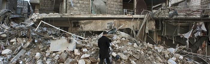 5529649-fotogalerie-clovek-v-tisni-pomoc-v-syrii